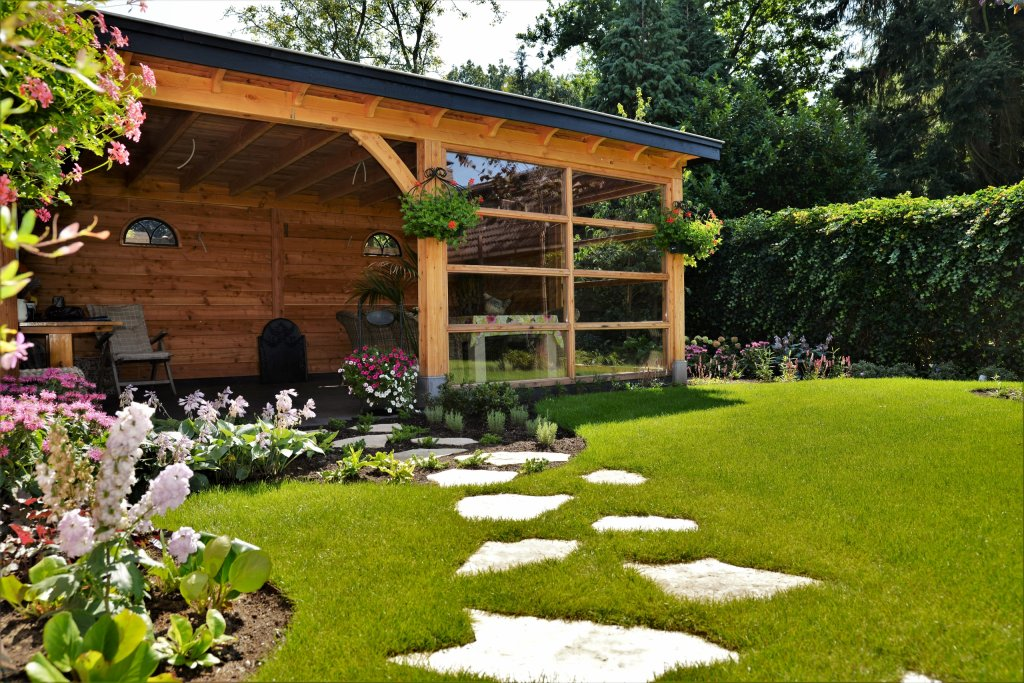 Stapstenen naar het tuinhuis