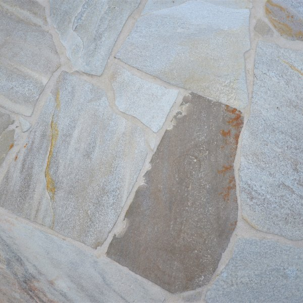 Detail Flagstones Brasil White.