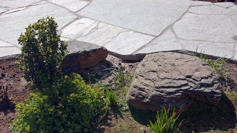 Flagstones Kavala  - tuinpad.
