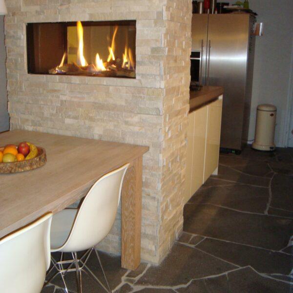 Mooie Flagstonevloer - onderhoudsvrij in de keuken.