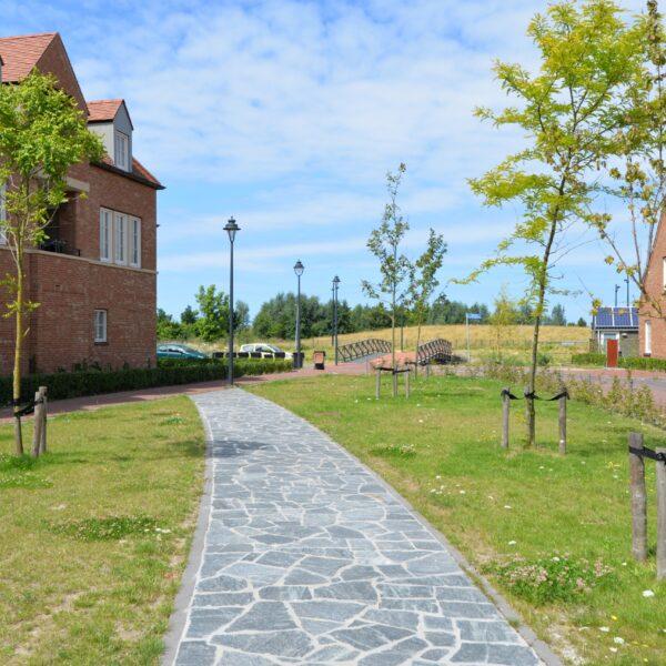 Calanca Kwartsiet Flagstones - Kinderspeeltuin - plantsoen Tudorpark Hoofddorp.