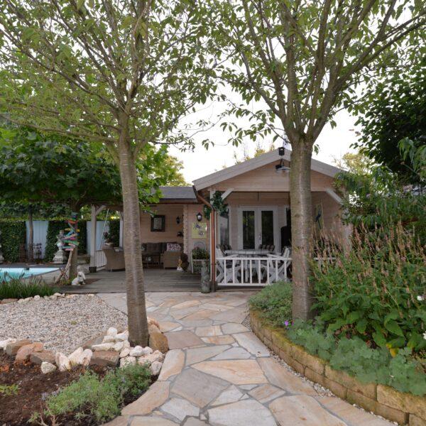 Mooie grote Flagstones in de tuin.