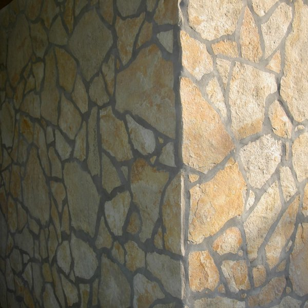 Flagstones muur, kleur geel, type Yellow Saliq.