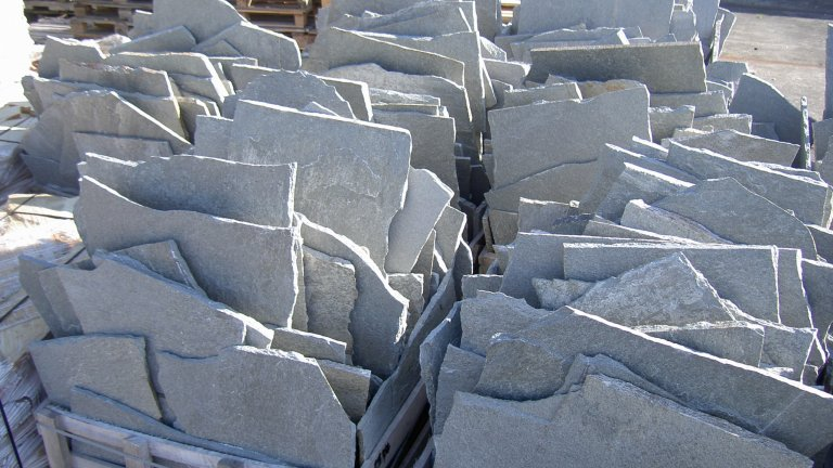 Kavala Grijze Flagstones pallet - meerprijs groot formaat.