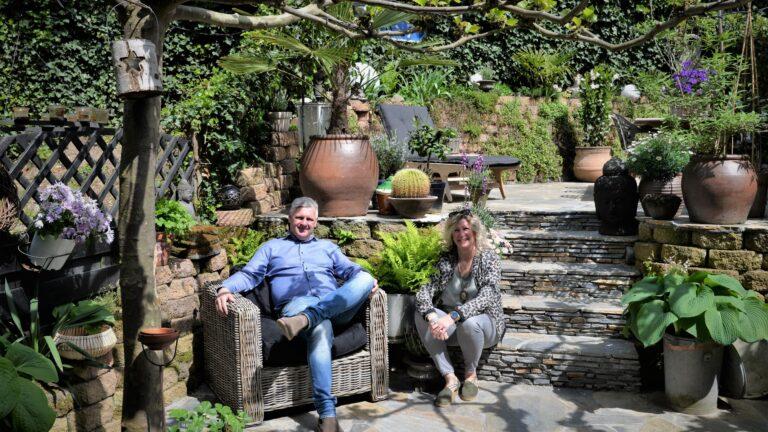 Kleine tuin met Flagstones - eigen ontwerp.