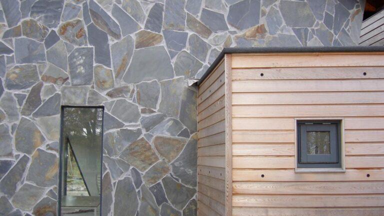 Ander project: Flagstonewand met iets bredere voegen.
