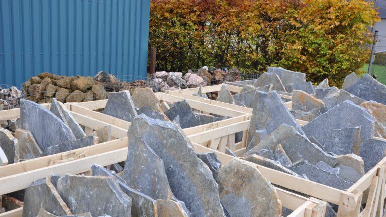 Grote Nauursteenplaten gebroken - Blue Plakes.
