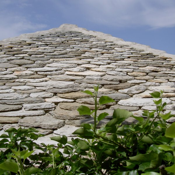 Natuurstenen daken.