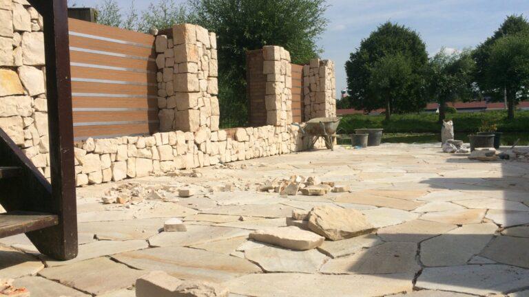 Flagstone terras en Natuurstenen muren -