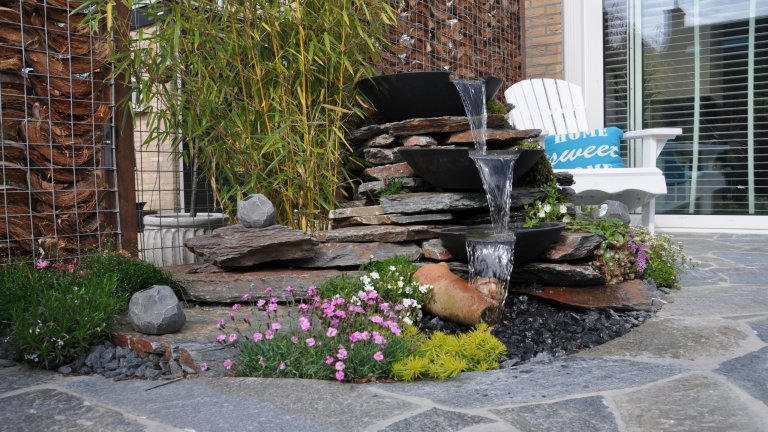 Kleansis Plakes Flagstones. Waterval: Violetto Flagstones.