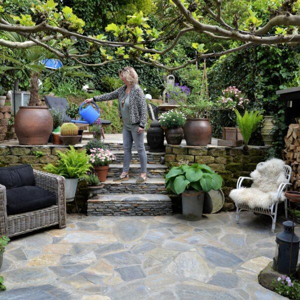 Spaanse tuin met Flagstones.