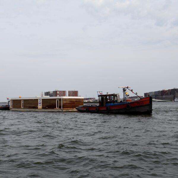 Woonboot met Flagstones.
