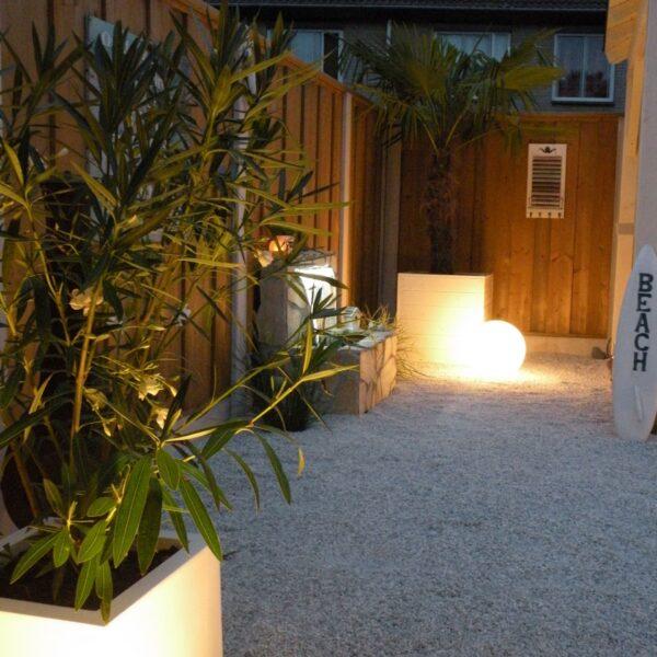 Sfeervolle tuin met Flagstones
