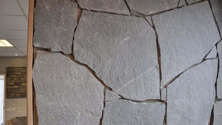 Zetwerk Flagstones Kavala muur.