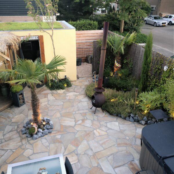 Flagstones in de achtertuin