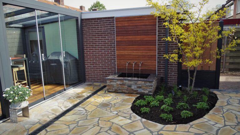 Flagstones en Steenstrips in de tuin