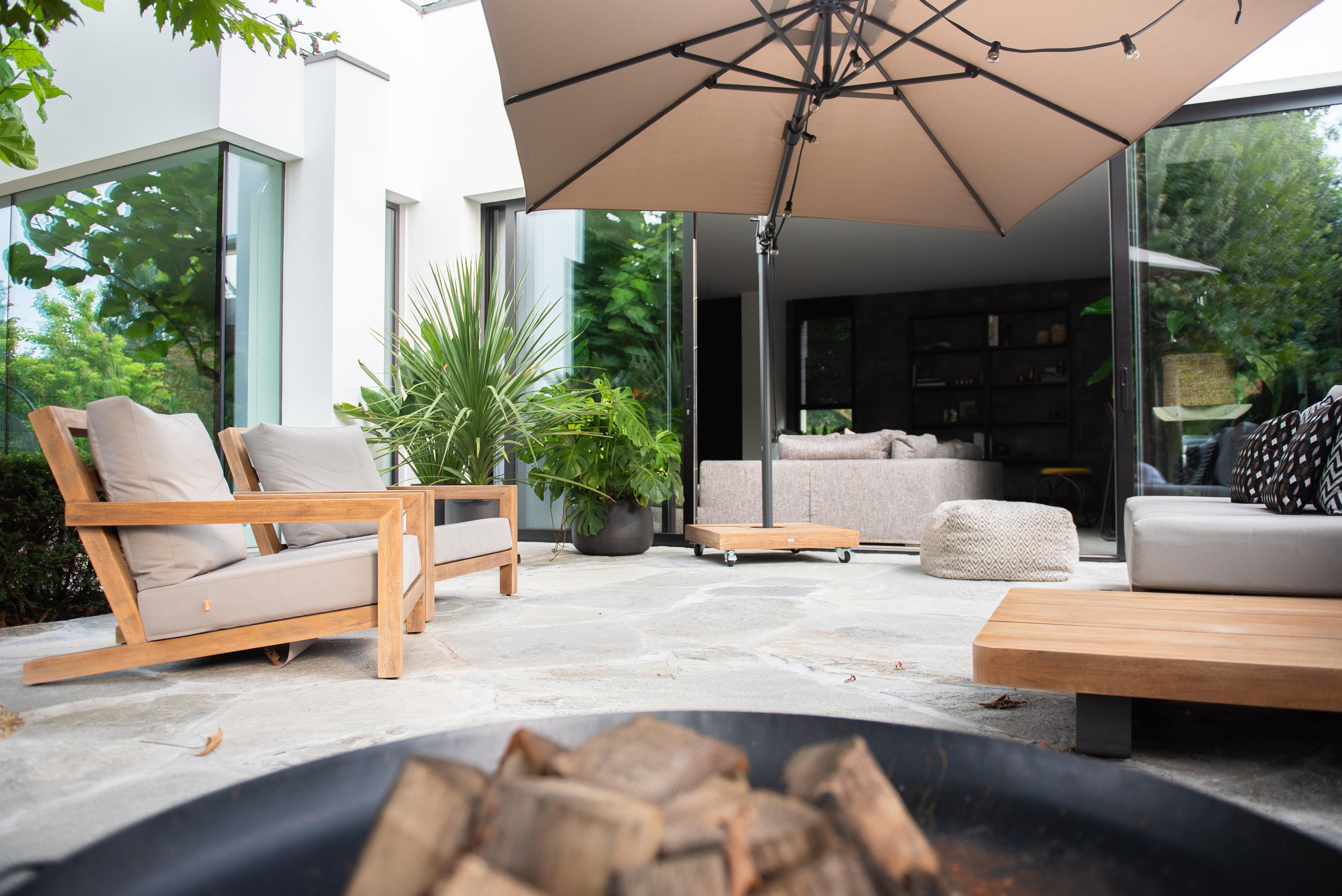 Flagstones outdoor XXL- luxe ontwerp van Groenseizoen. Copyright: Studio Struis
