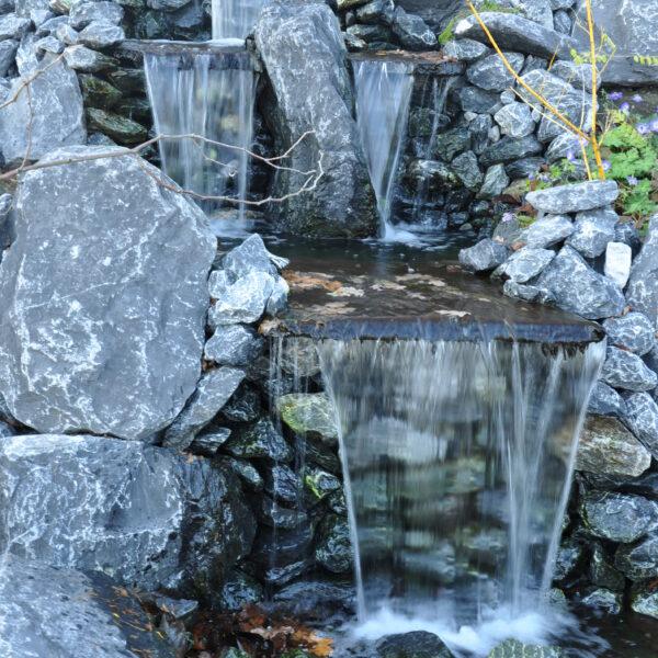 Waterval met Flagstones