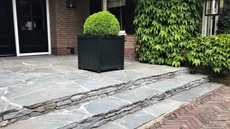 Flagstones trap
