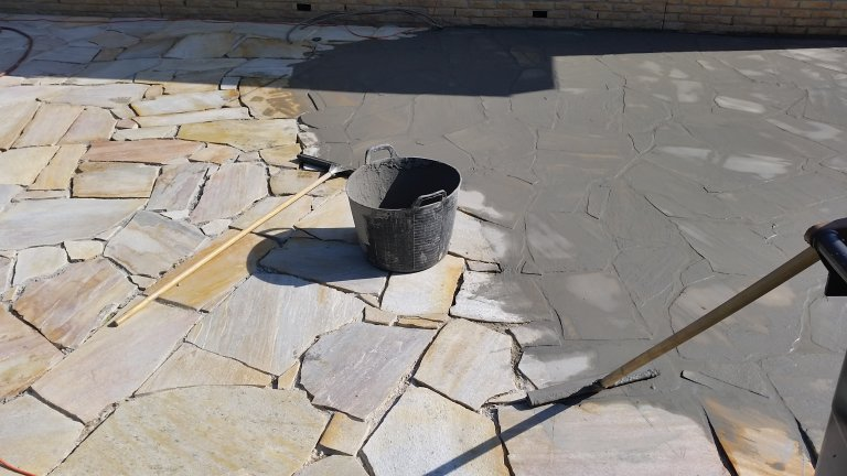 Flagstones Brasil Yellow onderhoud