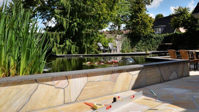 Muren en tuin met Flagstones.